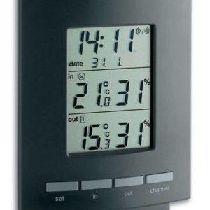 Maxim 2 basisstation zwart met datum, tijd, temperatuur en luchtvochtigheid binnen en buiten. zwarte lijst en grijze knopjes.