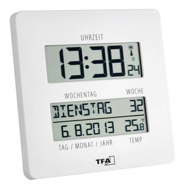 witte TFA digitale klok met de tijd, de dag, de week, de datum en temperatuur in zwarte letters.