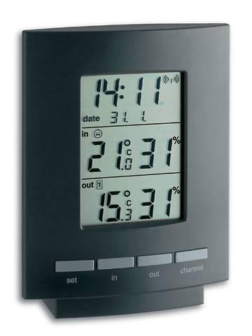 vooraanzicht tfa thermo en hygroometer met de tijd, datum, temperatuur en vochtigheid. zwarte lijst en grijze knoppen.