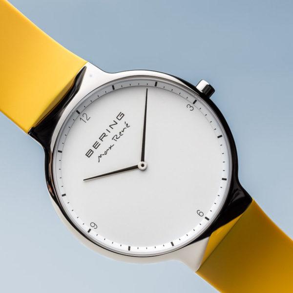 Vooraanzicht max rene herenhorloge met zilveren klokje en geel siliconen bandje.