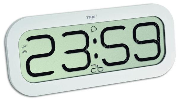 Vooraanzicht witte TFA radiocontrolled klok met bimbam functie (slaat ieder uur)